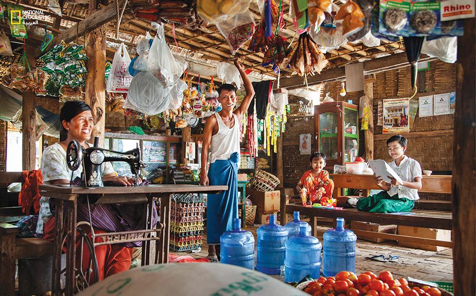 أسرة تستهلك 100 ليتر يومياُ من مياه الآبار في ميانمار